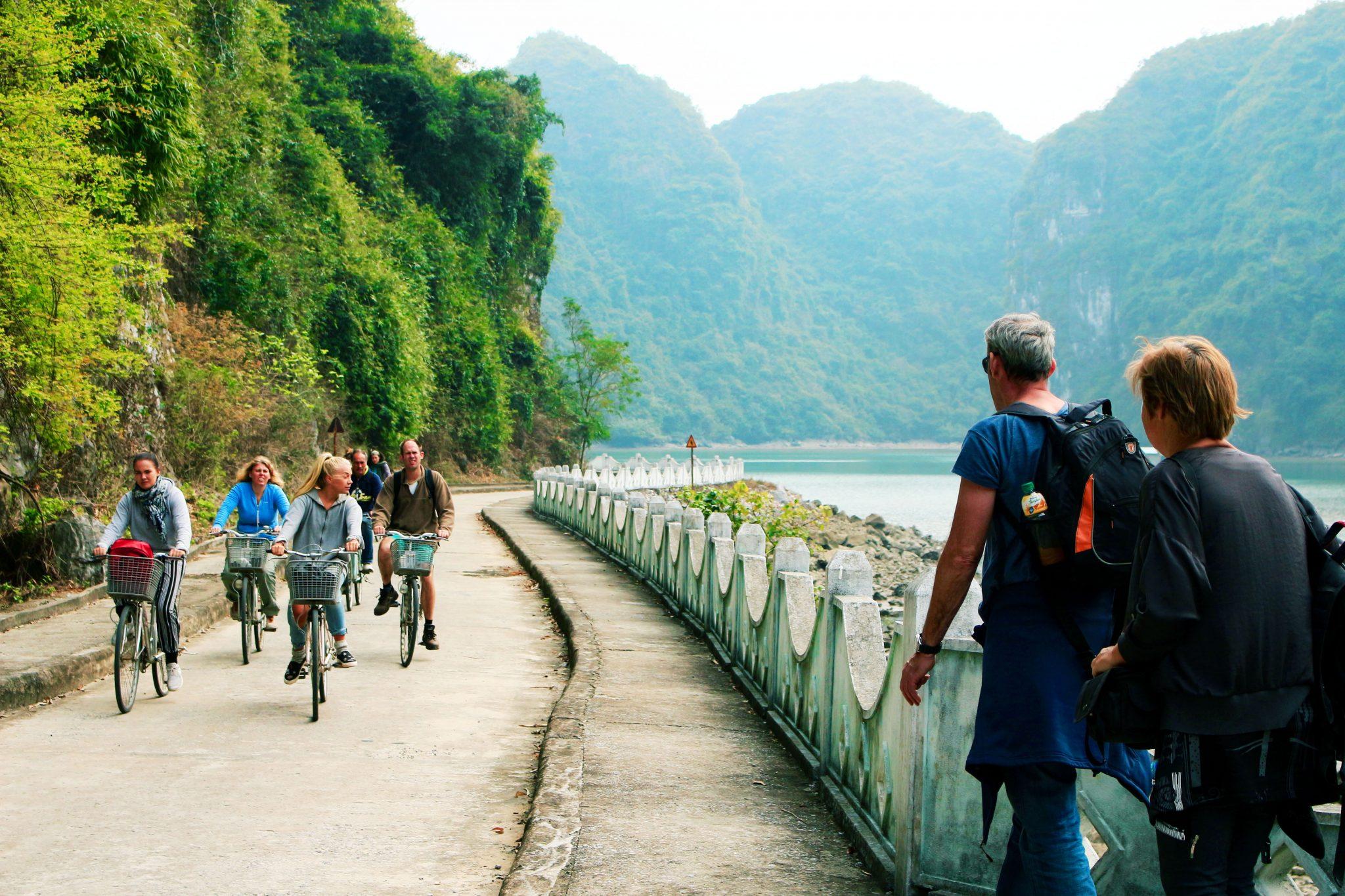 Phượt đảo Cát Bà đi dạo ở làng Việt Hải-Recovered